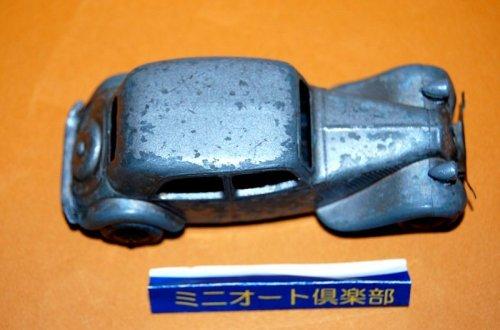 追加の写真2: フランス・DINKY-TOYS No.24N Citroen 11BL, 1st.-type 1949-1950年製・初期メタルタイヤ仕様・当時もの