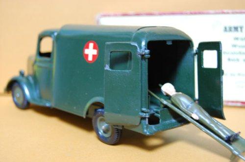 追加の写真2: 英国・Britains No.1512 Ford Army Truck Ambulance 1937・オリジナル・元箱付き (late 1940s/ early 1950s) 当時物